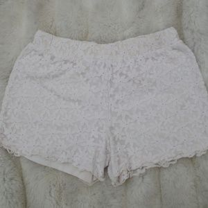 White Daisy Cherokee Fabric Shorts